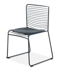 Chaise acier noir et assise avec un coussin en cuir noir Indy