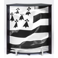 Comptoir de bar noir et imprimé drapeau Breton Snack 96