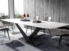 Table à manger rectangulaire effet marbre blanc et acier noir Ivania 160 cm
