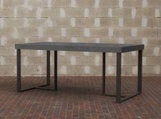 Table à manger rectangulaire gris béton et pieds métal gris foncé April 130 cm