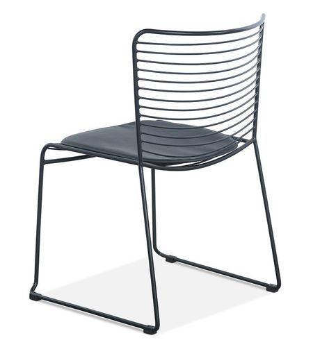 Chaise acier noir et assise avec un coussin en cuir noir Indy - Photo n°2; ?>