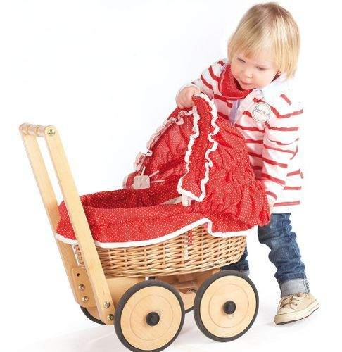 Voiture de poupée osier tressé et tissu rouge Mona - Photo n°2; ?>