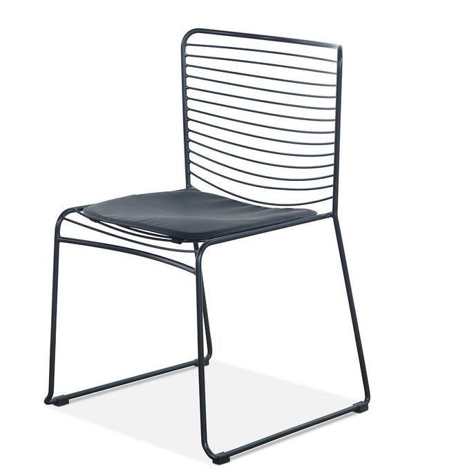 Chaise acier noir et assise avec un coussin en cuir noir Indy - Photo n°1