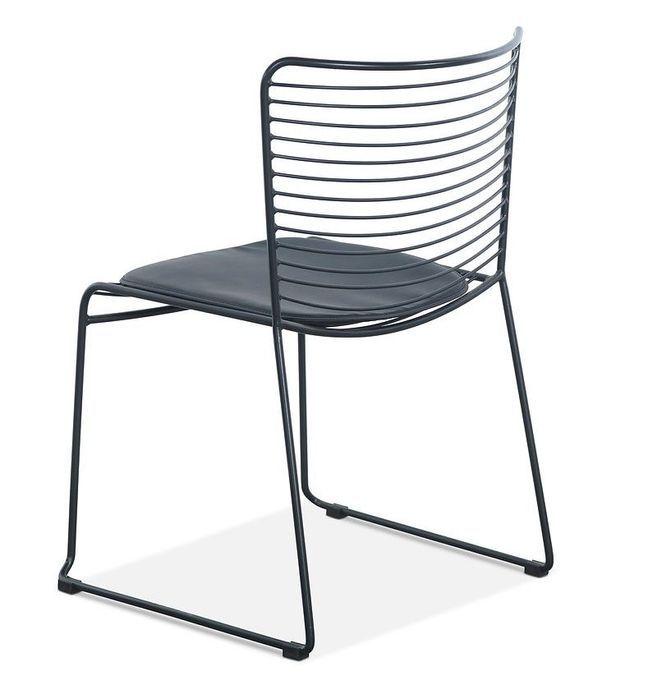 Chaise acier noir et assise avec un coussin en cuir noir Indy - Photo n°2