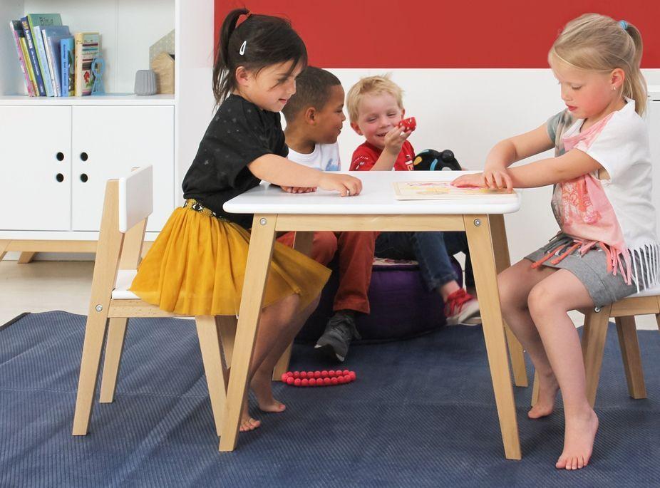 Table de jeu carrée avec 1 chaise et 1 tabouret bois blanc Ivar - Photo n°1