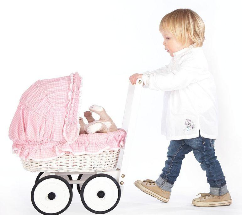 Voiture de poupée osier tressé blanc et tissu rose Marion - Photo n°2